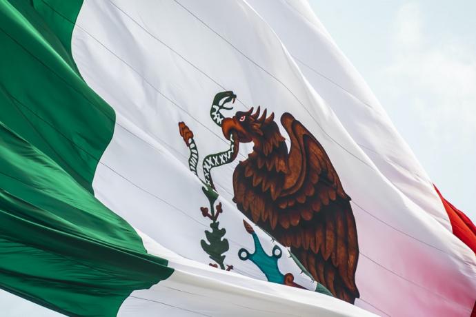 Mexico bandera de México (Jorge Aguilar Unsplash)